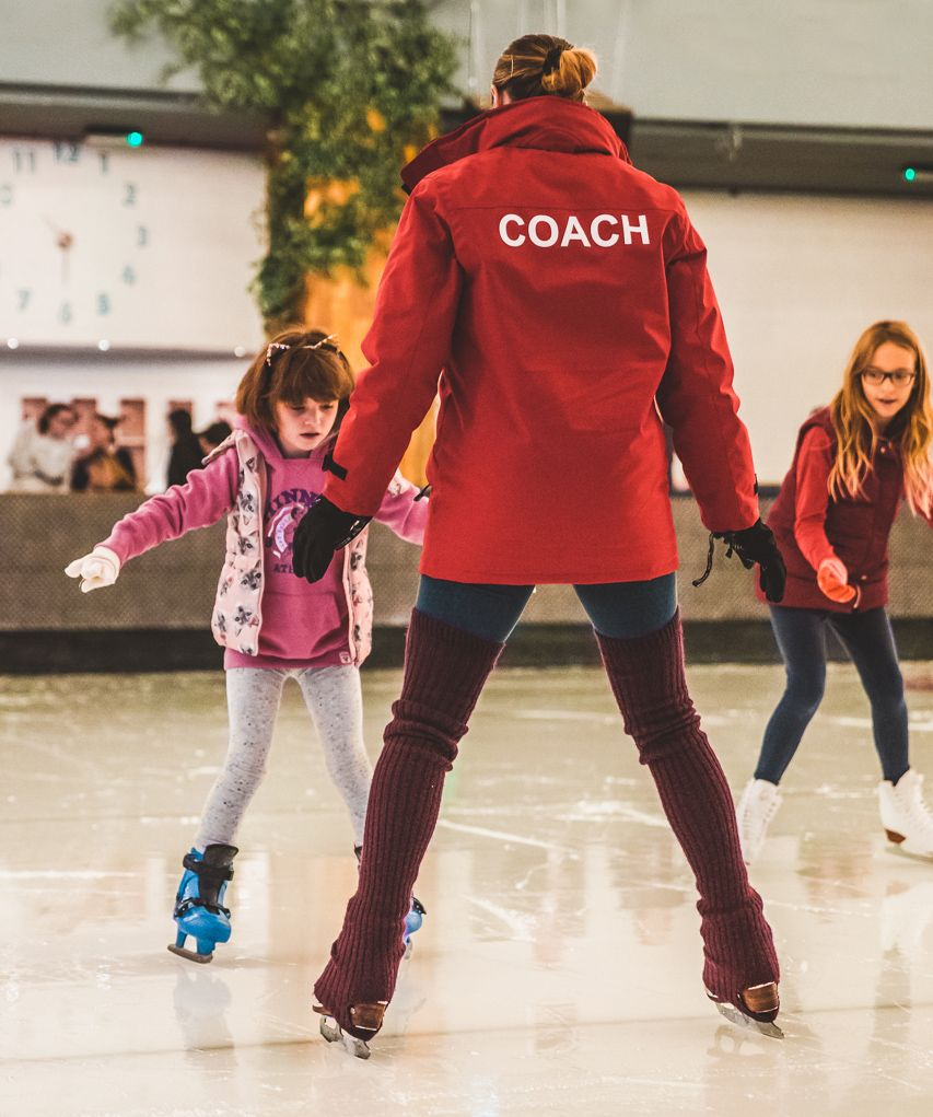 KIDS • LEARNING TO SKATE